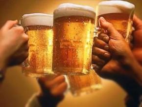 Bebidas alcoólicas prejudicam ciclos do sono, diz estudo